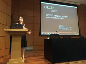 Lilian Pessoa falou sobre o ORCID. Foto: SciELO